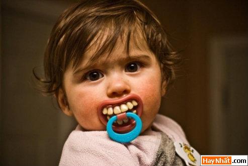 Núm vú, Vú, Ngực, Em bé, Trẻ em, Baby, Num vu, Hàng độc Hang doc, Chết cười,