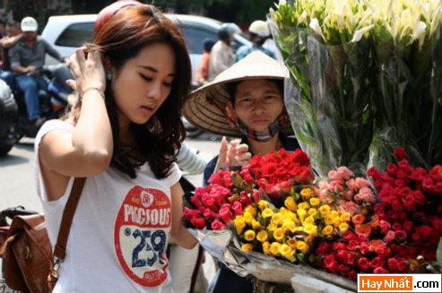 Diễm Hằng khoe dáng trên chợ hoa,Diễm Hằng, Diem Hang