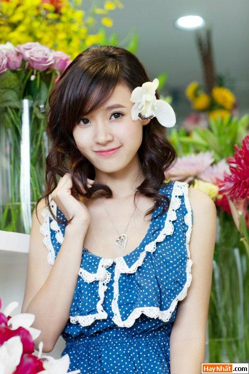 Hot girl Midu rạng rỡ đón sinh nhật 6