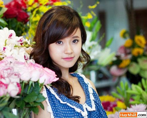 Hot girl Midu rạng rỡ đón sinh nhật 2