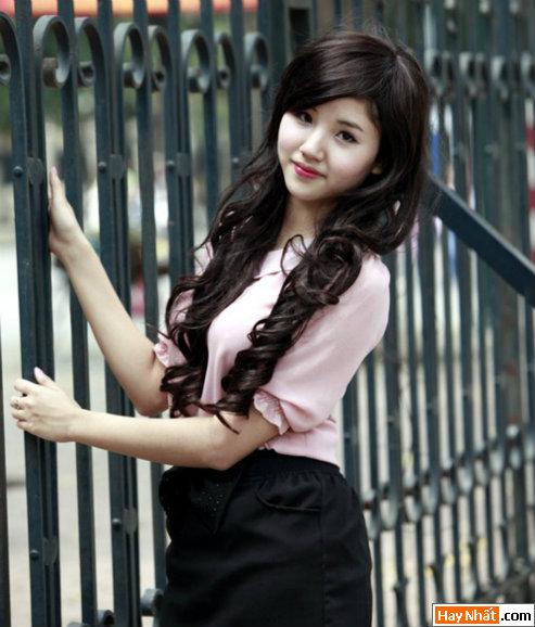 Nữ sinh trường Luật Ngô Tuyết Mai 2