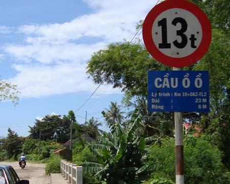Cầu Ồ Ồ nằm trên quốc lộ 1A đoạn qua huyện Vạn Ninh (Khánh Hòa).