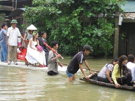 Chỉ có ở Việt Nam - Ảnh vui vợ chồng 9