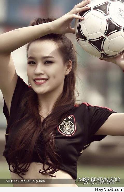 Người đẹp & Euro 2012 (Part 2) 2